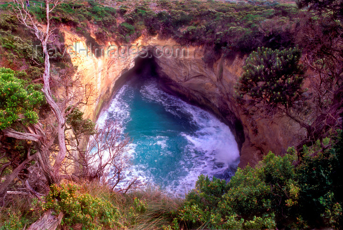 australia813: Great Ocean Road, Victoria, Australia: blowhole at the inland end of a sea cave - photo by G.Scheer - (c) Travel-Images.com - Stock Photography agency - Image Bank
