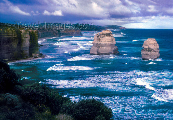 australia816: Great Ocean Road, Victoria, Australia: coast near Port Campbell - photo by G.Scheer - (c) Travel-Images.com - Stock Photography agency - Image Bank