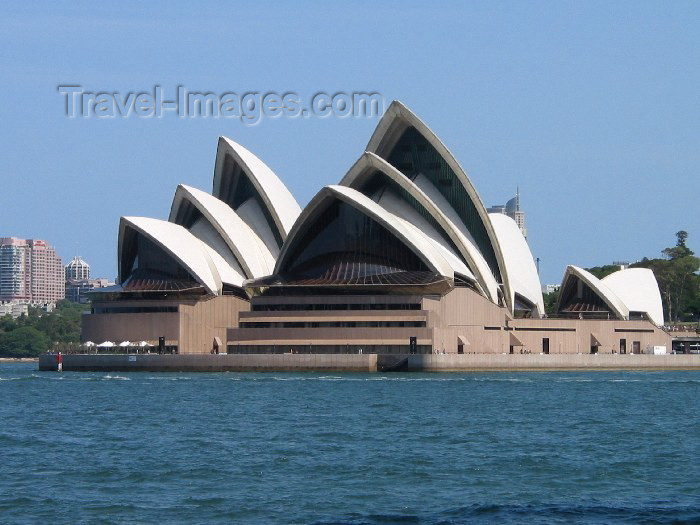australia84: Australia - Australia - Sydney (NSW): Jorn Utzon's outlandish Opera house (photo by Angel Hernandez) - (c) Travel-Images.com - Stock Photography agency - Image Bank