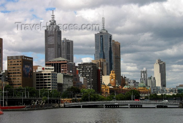 australia94: Australia - Australia - Melbourne (Victoria): waterfront on the Yara river - CBD - photo by Angel Hernandez - (c) Travel-Images.com - Stock Photography agency - Image Bank