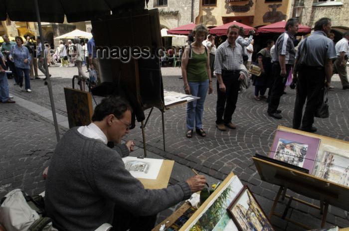 austria103: Austria - Innsbruck (Tirol / Tyrol): street painter - artist (photo by W.Schmidt) - (c) Travel-Images.com - Stock Photography agency - Image Bank