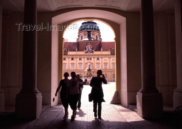austria57: Austria - Melk / Mölk (Niederosterreich, Mostviertel region): Melk Abbey or Stift Melk - historic Austrian Benedictine abbey - architect Jakob Prandtauer - Melk monastery (photo by F.Rigaud) - (c) Travel-Images.com - Stock Photography agency - Image Bank