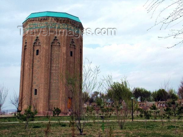 az-nak1: Azerbaijan - Nakhchivan City: Momina Khatum Mausoleum - also known as Atabek Gumbezi  (photo by Mohamadreza Tahmasbpour) - (c) Travel-Images.com - Stock Photography agency - Image Bank