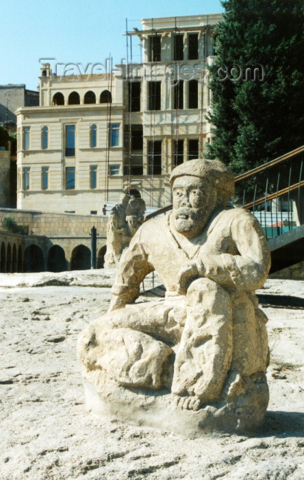 azer100: Azerbaijan - Baku: old town - statue on market square - photo by Galen Frysinger - (c) Travel-Images.com - Stock Photography agency - Image Bank