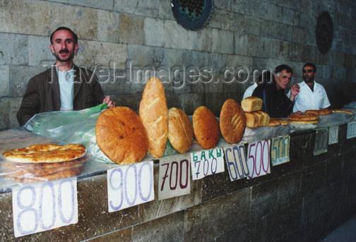 azer113: Azerbaijan - Maraza: shopping for bread (photo by G.Frysinger) - (c) Travel-Images.com - Stock Photography agency - Image Bank