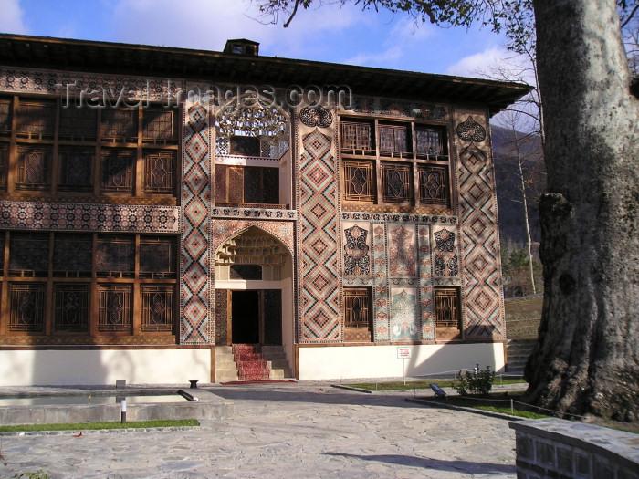 azer13: Azerbaijan - Sheki: Khan's palace - façade / Sheki Xan Sarayi  - photo by F.MacLachlan - (c) Travel-Images.com - Stock Photography agency - Image Bank