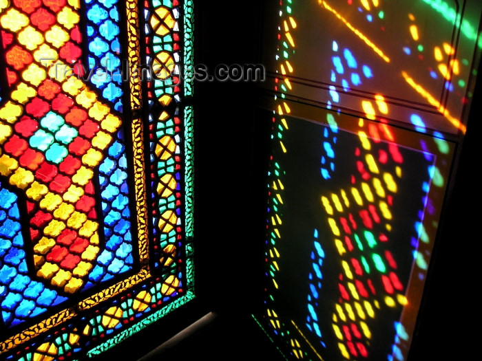azer135: Azerbaijan - Sheki: stained glass work known as 'shebeke / shabaka' - the Khan's palace (photo by F.MacLachlan) - (c) Travel-Images.com - Stock Photography agency - Image Bank