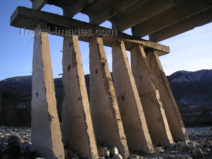 azer148: Azerbaijan - Lahic / Lahuj (Ismailly Rayon): unfinished bridge structure in the valley below the town (photo by Austin Kilroy) - (c) Travel-Images.com - Stock Photography agency - Image Bank
