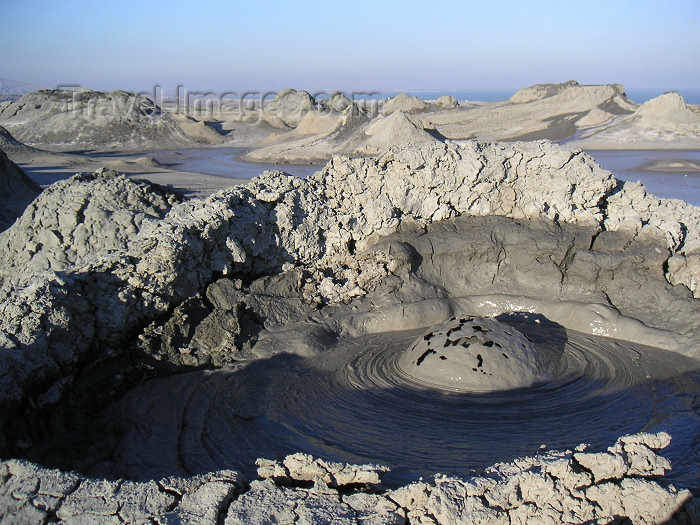 azer151: Azerbaijan - Gobustan / Qobustan / Kobustan - Baki Sahari: bubbling mud volcano (photo by Austin Kilroy) - (c) Travel-Images.com - Stock Photography agency - Image Bank