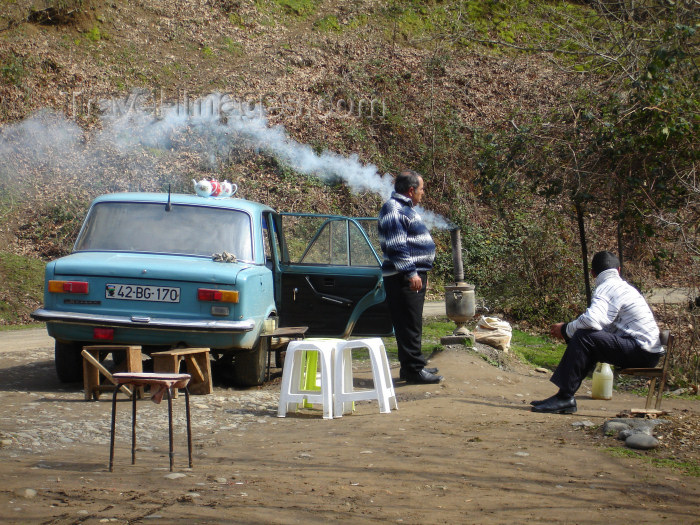 azer169: Xanbulan Lake - Lankaran Rayonu, Azerbaijan: samovar tea served from a Lada - open air chayxana - photo by F.MacLachlan - (c) Travel-Images.com - Stock Photography agency - Image Bank