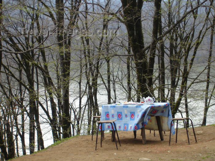azer170: Xanbulan Lake - Lankaran Rayonu, Azerbaijan: tea by the lake - table with chairs - al fresco - photo by F.MacLachlan - (c) Travel-Images.com - Stock Photography agency - Image Bank