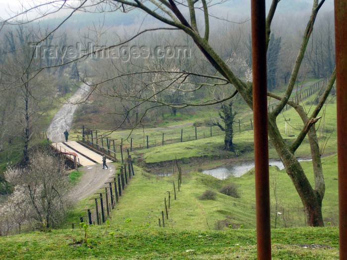 azer175: Astara rayon, Azerbaijan: Azeri-Iranian border - Iranian border guards, a little to the west of the town of Astara, on the way to the Istisu - no Azeri guards at all - photo by F.MacLachlan - (c) Travel-Images.com - Stock Photography agency - Image Bank