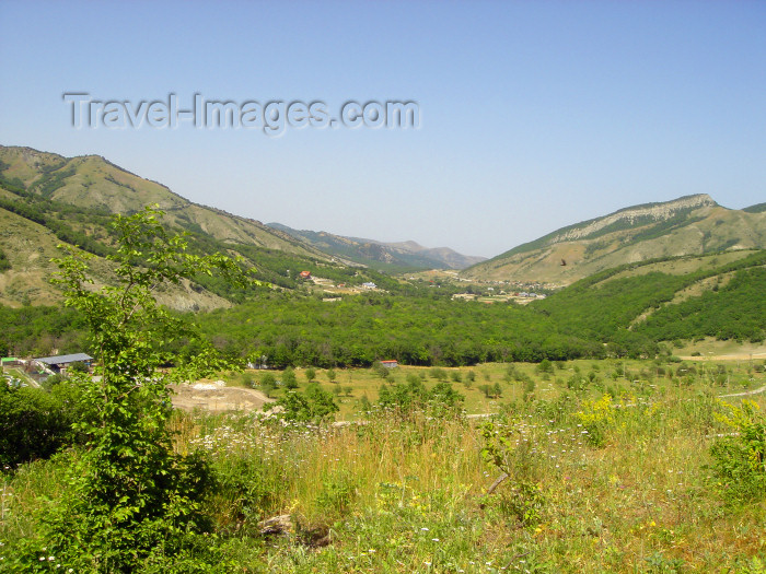azer196: Azerbaijan - Altyaghach National Park, Xizi rayon: nature of Azerbaijan - south-eastern ridge of the  Greater Caucasus mountains - photo by N.Mahmudova - (c) Travel-Images.com - Stock Photography agency - Image Bank