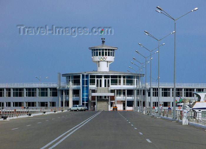 azer218: Azerbaijan - Baku: marina building from the causeway - photo by N.Mahmudova - (c) Travel-Images.com - Stock Photography agency - Image Bank