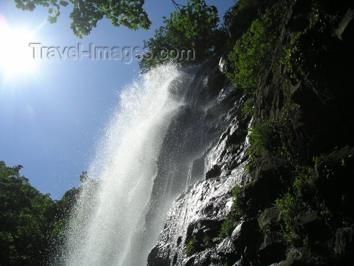 azer223: Azerbaijan - Masalli: Shalala waterfall  on the road to Yardimli (photo by F.MacLachlan) - (c) Travel-Images.com - Stock Photography agency - Image Bank