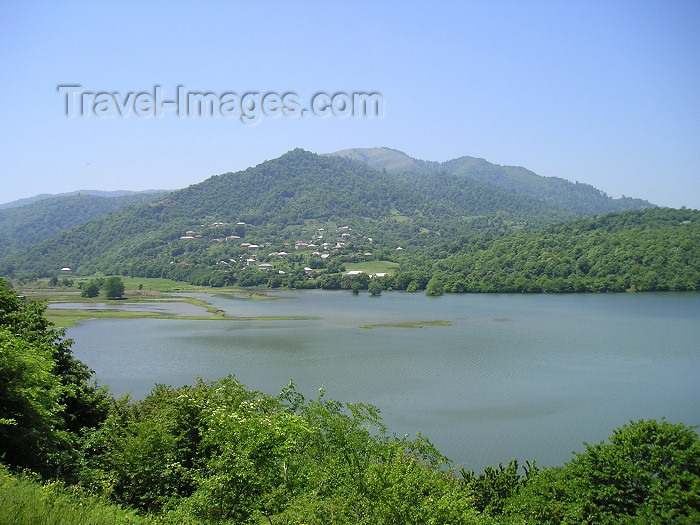 azer224: Azerbaijan - Masalli: lake from Golustu Aila parki (photo by F.MacLachlan) - (c) Travel-Images.com - Stock Photography agency - Image Bank