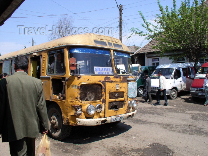 azer240: Azerbaijan - Lankaran / Lenkoran: bus leaving Lankoran - near the Bazaar - public transportation - photo by F.MacLachlan - (c) Travel-Images.com - Stock Photography agency - Image Bank