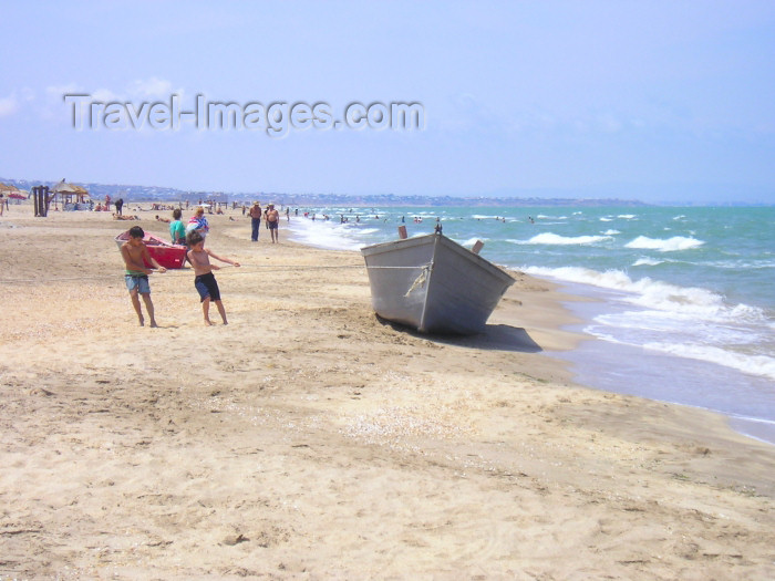 azer251: Azerbaijan - Pirshaga - Absheron peninsula - Baki Sahari: northern side of Absheron on a sunny day - beach - Caspian sea - photo by F.MacLachlan - (c) Travel-Images.com - Stock Photography agency - Image Bank