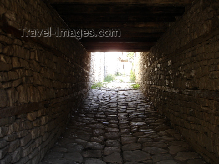 azer264: Azerbaijan - Lahic / Lahuj (Ismailly Rayon): passage on a cobbled street (photo by Rashad Khalilov) - (c) Travel-Images.com - Stock Photography agency - Image Bank