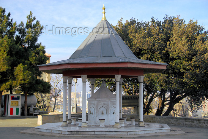 azer285: Azerbaijan - Baku: Turkish mosque - Martyrs mosque - ablutions fountain - religion - Islam - photo by Miguel Torres - (c) Travel-Images.com - Stock Photography agency - Image Bank