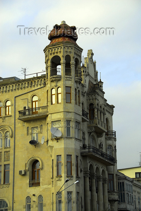 azer292: Azerbaijan - Baku: Gadjinskii house - Issa-bey Hajinski Residence - oil baron, nobleman and public figure during the Oil Boom - Charles de Gaulle stayed here 1944 - photo by M.Torres - (c) Travel-Images.com - Stock Photography agency - Image Bank