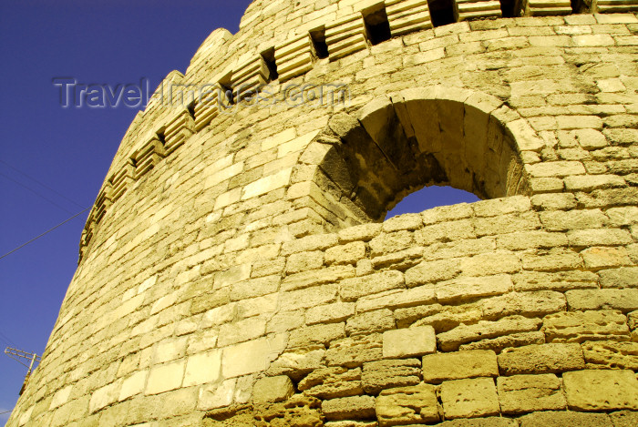 azer318: Azerbaijan - Baku: city walls - detail of defensive tower - UNESCO world heritage site - Baku old city - fortress walls first built by King Manoucher II - photo by M.Torres - (c) Travel-Images.com - Stock Photography agency - Image Bank