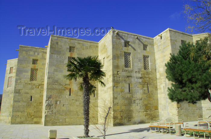 azer323: Azerbaijan - Baku: residential area - Shirvan Shah's palace - Mazyaddid / Kesranid dynasty - UNESCO world heritage site - photo by Miguel Torres - (c) Travel-Images.com - Stock Photography agency - Image Bank