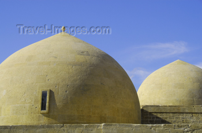 azer324: Azerbaijan - Baku: domes of the Royal mosque - Shirvan Shah's palace - photo by Miguel Torres - (c) Travel-Images.com - Stock Photography agency - Image Bank
