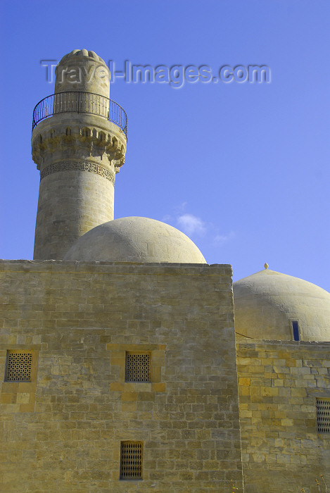 azer327: Azerbaijan - Baku: Royal mosque -side view - Shirvan Shah's palace - UNESCO world heritage site - photo by Miguel Torres - (c) Travel-Images.com - Stock Photography agency - Image Bank