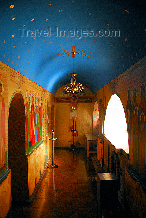 azer336: Azerbaijan - Baku: Russian Orthodox Church of Archangel Michael - side chapel by the shrine of St Bartholomew the Apostle - photo by Miguel Torres - (c) Travel-Images.com - Stock Photography agency - Image Bank