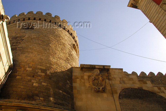azer353: Azerbaijan - Baku: walls of the old city - UNESCO world heritage - photo by Miguel Torres - (c) Travel-Images.com - Stock Photography agency - Image Bank