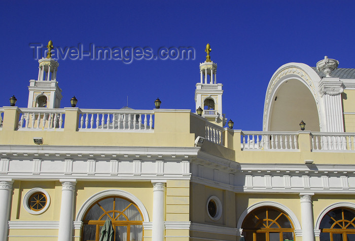 azer359: Azerbaijan - Baku: Muslim Magomayev State Philarmony /  philharmonic - architect G.Termikelov - external concert hall - Istiglaliyyat Street - photo by M.Torres - (c) Travel-Images.com - Stock Photography agency - Image Bank