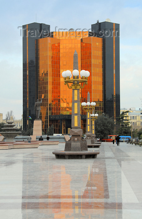 azer36: Azerbaijan - National Bank of Azerbaijan building - glass façade - square - marble pavement - photo by Miguel Torres - (c) Travel-Images.com - Stock Photography agency - Image Bank
