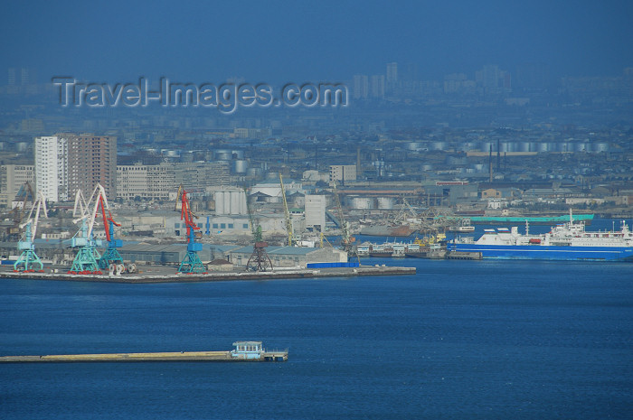 azer376: Azerbaijan - Baku: harbour - eastern section, including fuel tanks - photo by M.Torres - (c) Travel-Images.com - Stock Photography agency - Image Bank