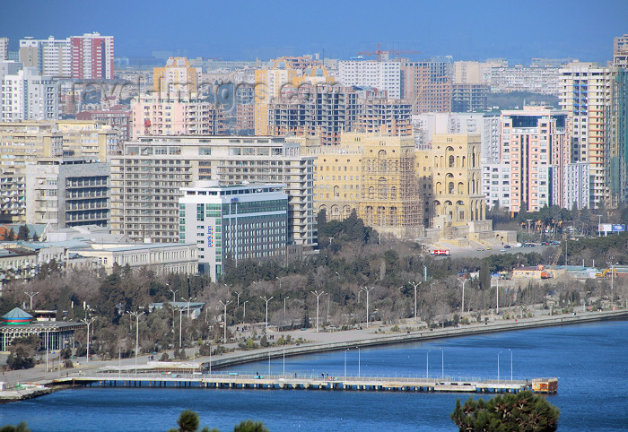 azer377: Azerbaijan - Baku: waterfront - Neftchilar av. and Azadlyg sq. - Government house and Park Inn hotel - Baku's new skyline - photo by M.Torres - (c) Travel-Images.com - Stock Photography agency - Image Bank