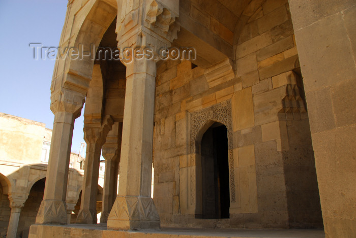azer382: Azerbaijan - Baku: Divankhane - detail - Shirvan Shah's palace / Shirvanshahlar sarayi - UNESCO listed - photo by Miguel Torres - (c) Travel-Images.com - Stock Photography agency - Image Bank