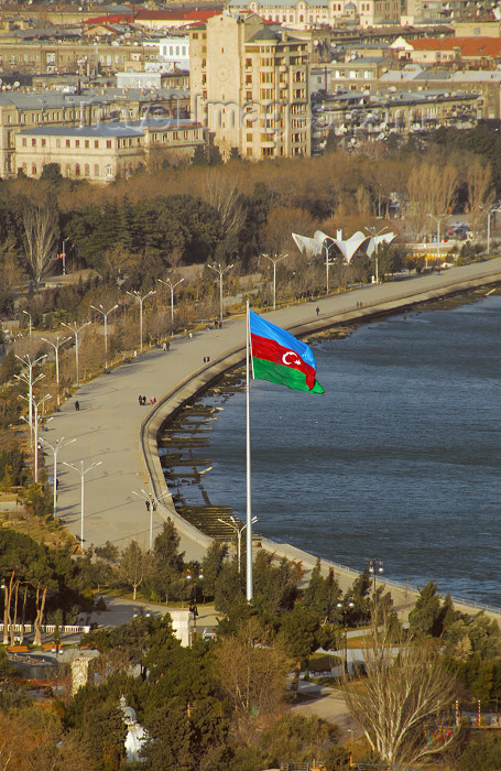 azer390: Azerbaijan - Baku: Azerbaijani flag and Baku bay - the Boulevard - photo by Miguel Torres - (c) Travel-Images.com - Stock Photography agency - Image Bank