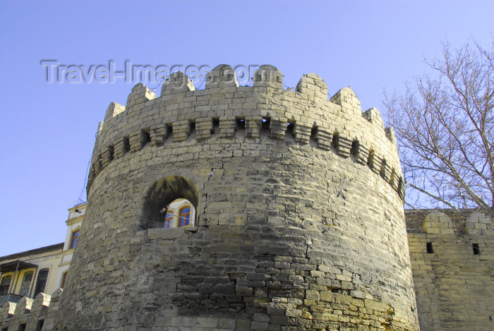 azer399: Azerbaijan - Baku / Baki: old town - city walls - bastion - UNESCO list - photo by Miguel Torres - (c) Travel-Images.com - Stock Photography agency - Image Bank