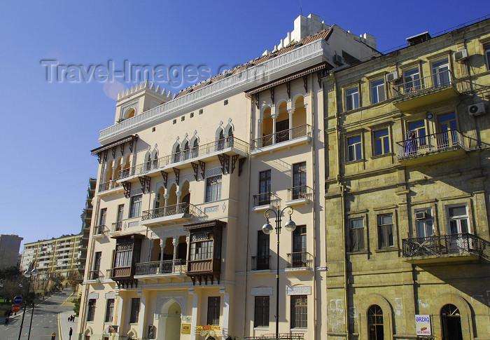 azer404: Azerbaijan - Baku: local architecture - façade - photo by Miguel Torres - (c) Travel-Images.com - Stock Photography agency - Image Bank