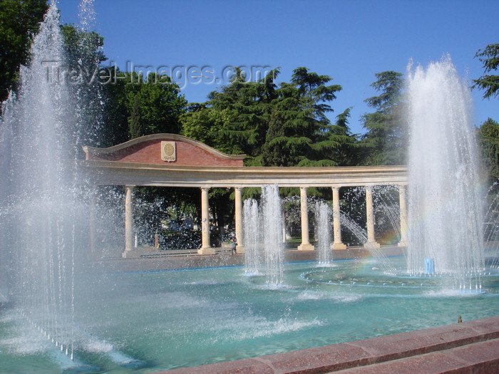 azer420: Ganca / Ganja - Azerbaijan: pergola and fountain in the city centre - photo by F.MacLachlan - (c) Travel-Images.com - Stock Photography agency - Image Bank