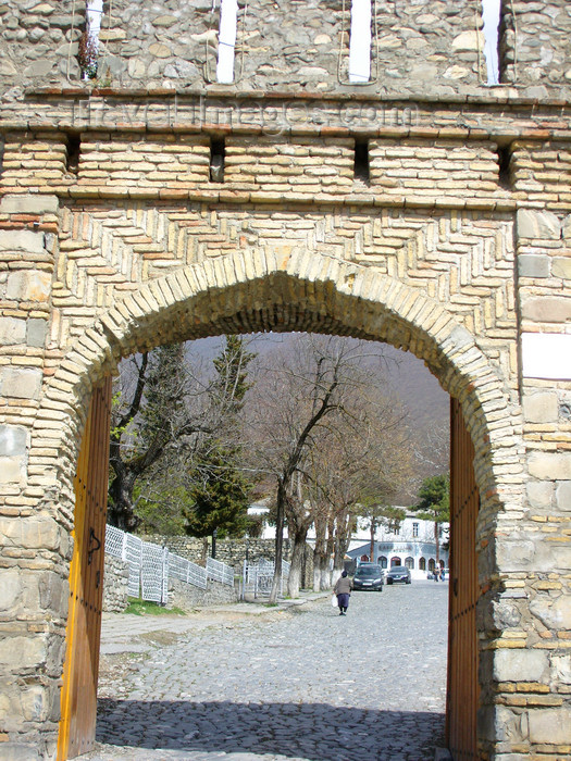 azer441: Sheki / Shaki - Azerbaijan:  fortress gate - photo by N.Mahmudova - (c) Travel-Images.com - Stock Photography agency - Image Bank