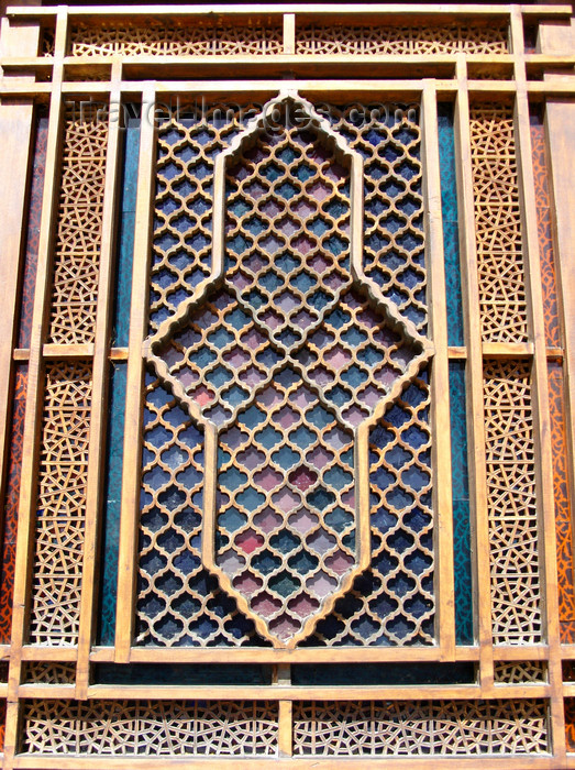 azer452: Sheki / Shaki - Azerbaijan: Sheki Khans' palace - external view of a shebeke window - wooden latticework assembled without nails or glue - Khansarai - photo by N.Mahmudova - (c) Travel-Images.com - Stock Photography agency - Image Bank