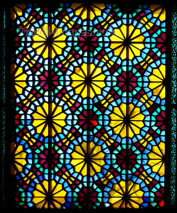 azer453: Sheki / Shaki - Azerbaijan: Sheki Khans' palace - Azeri stained glass work - shebeke - Khansarai - photo by N.Mahmudova - (c) Travel-Images.com - Stock Photography agency - Image Bank