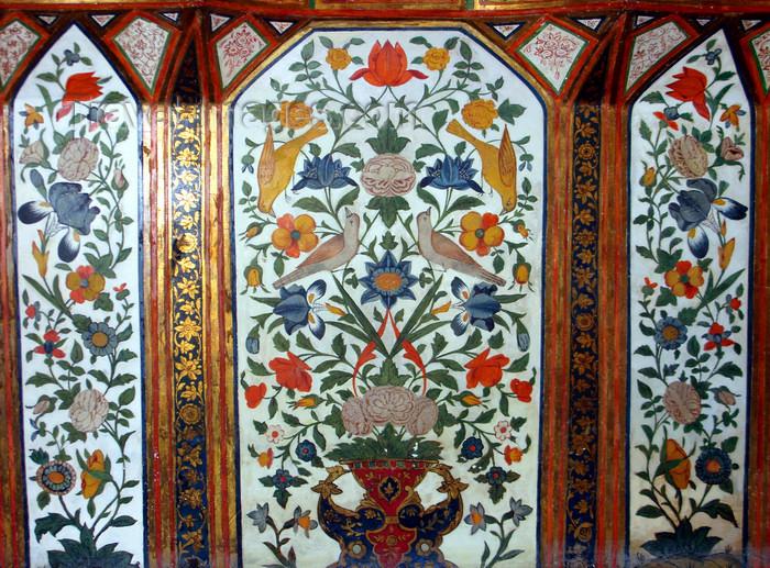azer454: Sheki / Shaki - Azerbaijan: Sheki Khans' palace - Khansarai - panel with birds and flowers - photo by N.Mahmudova - (c) Travel-Images.com - Stock Photography agency - Image Bank