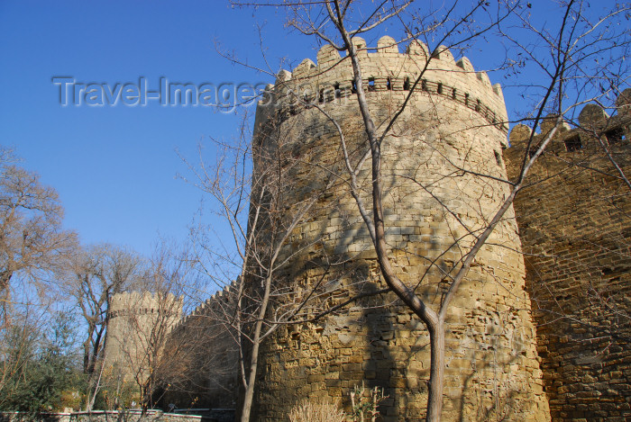 azer46: Azerbaijan - Baku: City walls - ramparts - Unesco world heritage - photo by Miguel Torres - (c) Travel-Images.com - Stock Photography agency - Image Bank