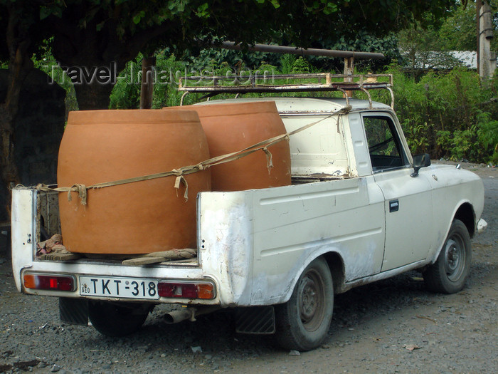 azer471: Azerbaijan - Ilisu - Hamam istisu a Georgian pick-up with and heavy load - photo by F.MacLachlan - (c) Travel-Images.com - Stock Photography agency - Image Bank