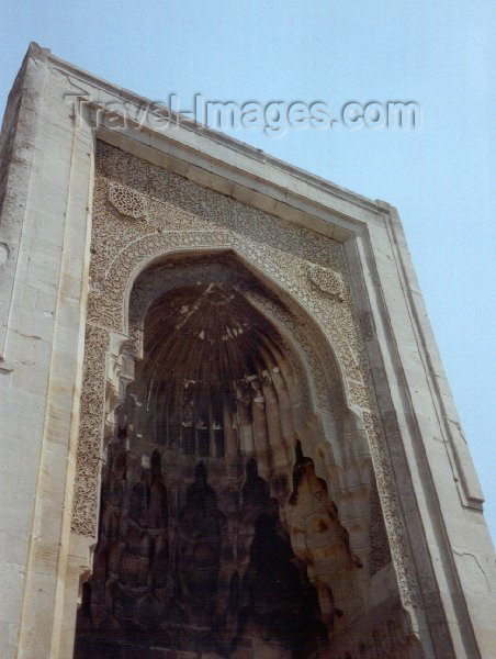 azer49: Azerbaijan - Baku: Shirvan Shah's burial vault - turbe - Mausoleum - UNESCO world heritage site - photo by Miguel Torres - (c) Travel-Images.com - Stock Photography agency - Image Bank
