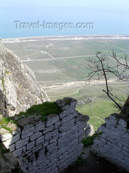 azer508: Siyazan rayon, Azerbaijan: Besh Barmak / Bashbarmag - the Five Finger mountain - view towards the Caspian sea - photo by G.Monssen - (c) Travel-Images.com - Stock Photography agency - Image Bank