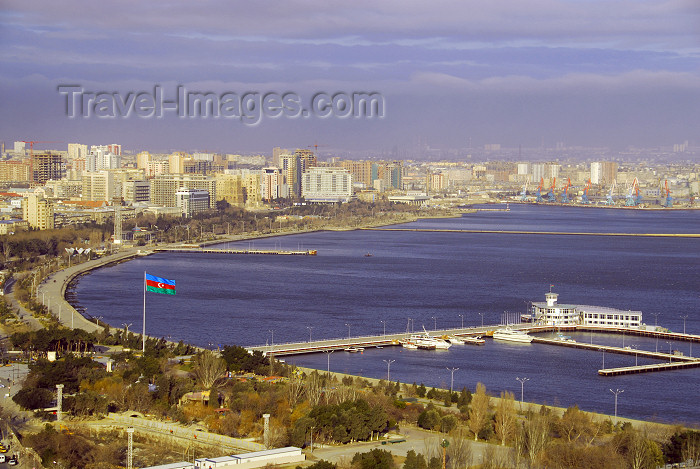 azer51: Azerbaijan - Baku: the Bay - Caspian sea and the 'bulvar' - photo by Miguel Torres - (c) Travel-Images.com - Stock Photography agency - Image Bank