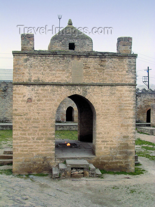 azer511: Surakhany - Absheron peninsula, Azerbaijan: Ateshgah fire temple - Agnihotra stage with a trishula on the roof  - photo by G.Monssen - (c) Travel-Images.com - Stock Photography agency - Image Bank